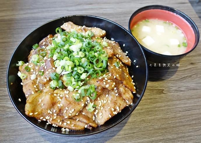 8 山丼 玫瑰和牛丼 岩石牛排丼 碳烤豚肉丼 辣子雞肉丼 公館美食 日式丼飯