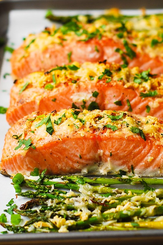 baked asparagus, roasted salmon, best way to cook salmon, gluten free dinner, healthy dinner, healthy salmon recipes