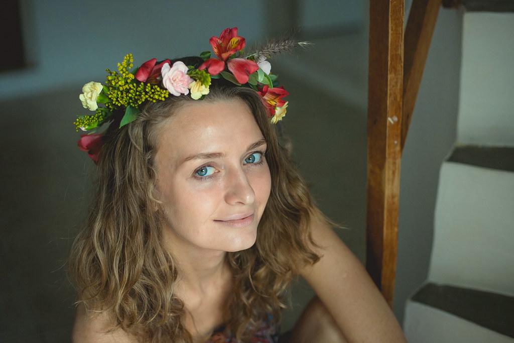 венок на голову из цветов своими руками