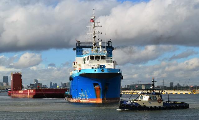 Tugs + Dina Launcher (14) @ KGV Dock 16-10-16