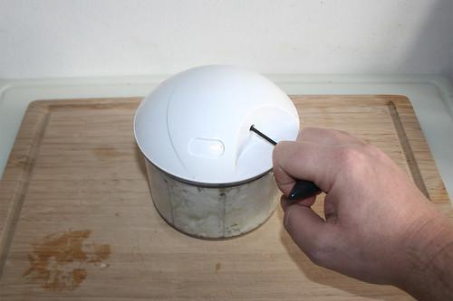 16 - Zwiebel würfeln / Dice onion