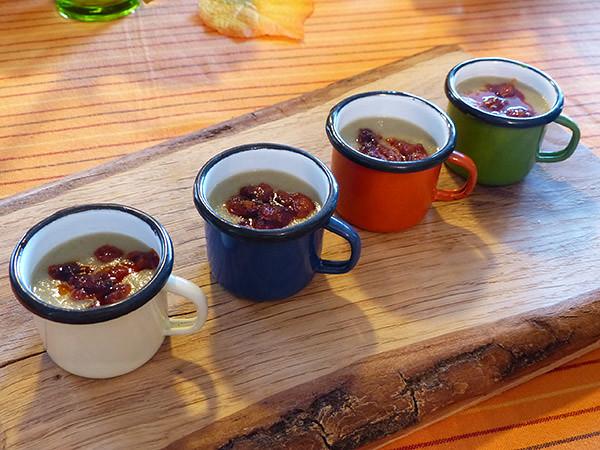 petites soupes aux asperges et chorizo grillé