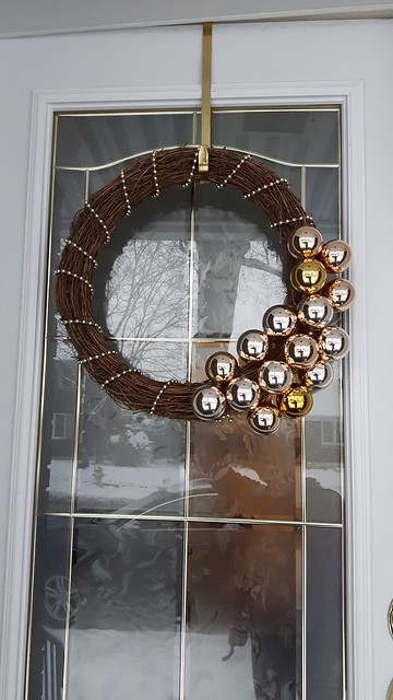 Ten Dollar Wreath 18