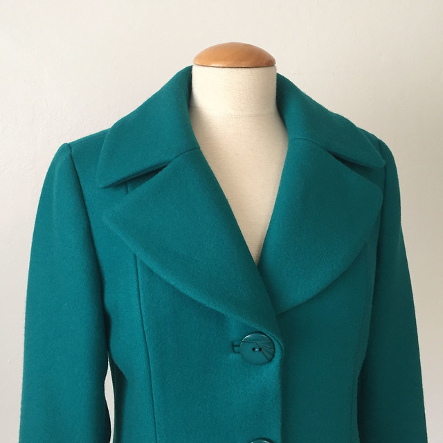 green coat lapels