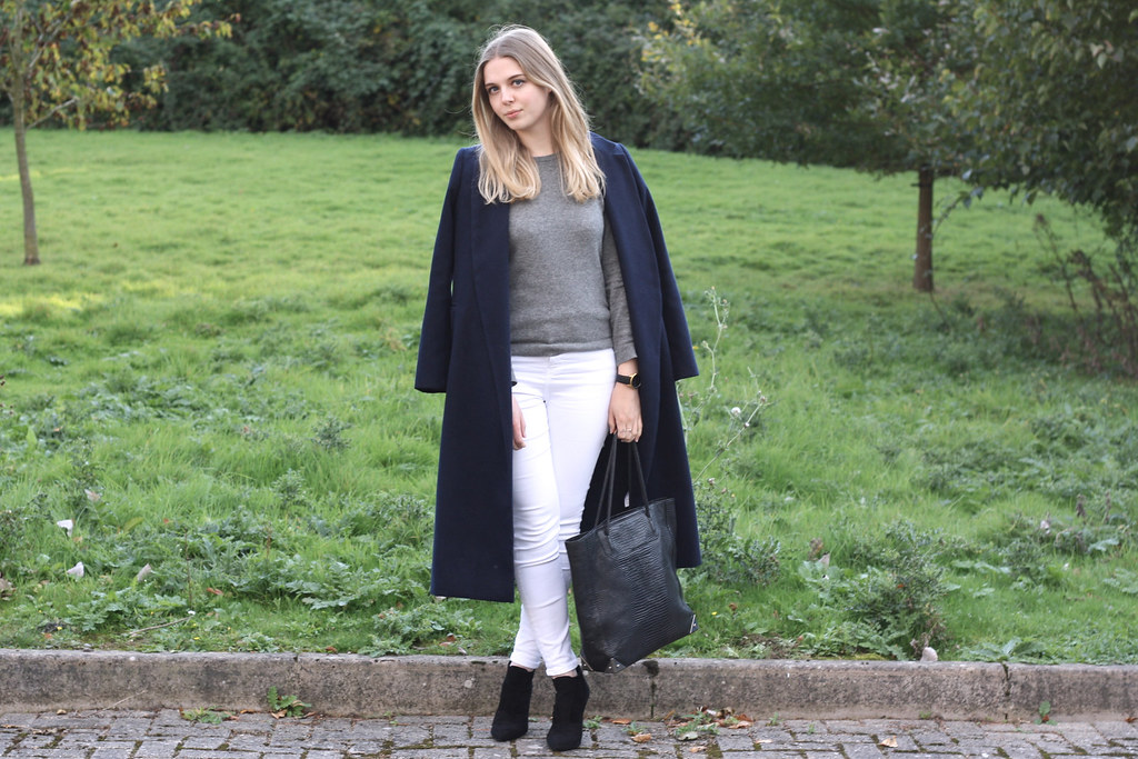 H&M grey cashmere jumper with Topshop white skinny jeans and Alexander Wang Prisma black tote