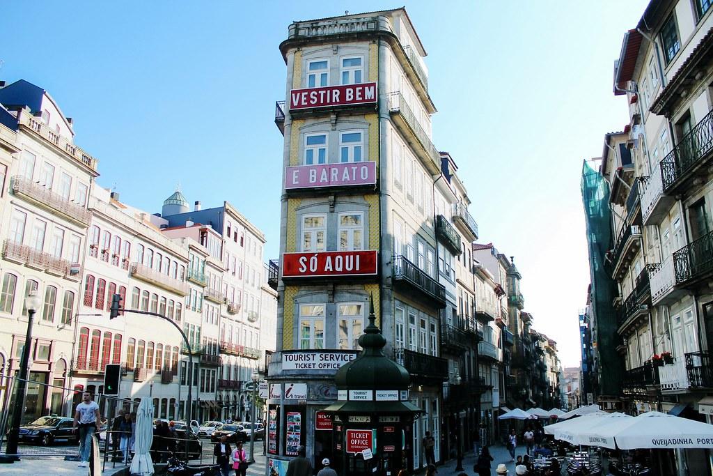 Roteiro do Porto: da Baixa Portuense ao Centro Histórico - Rua Mouzinho da Silveira