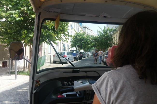 Portogallo, Lisbona -  Alfama in tuk tuk