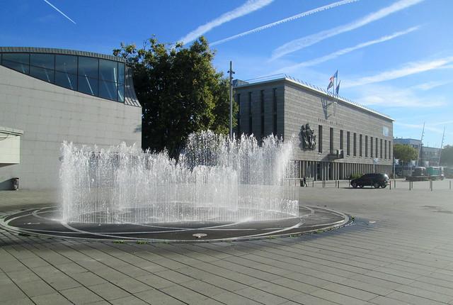 aHotel de Ville 3 fountains