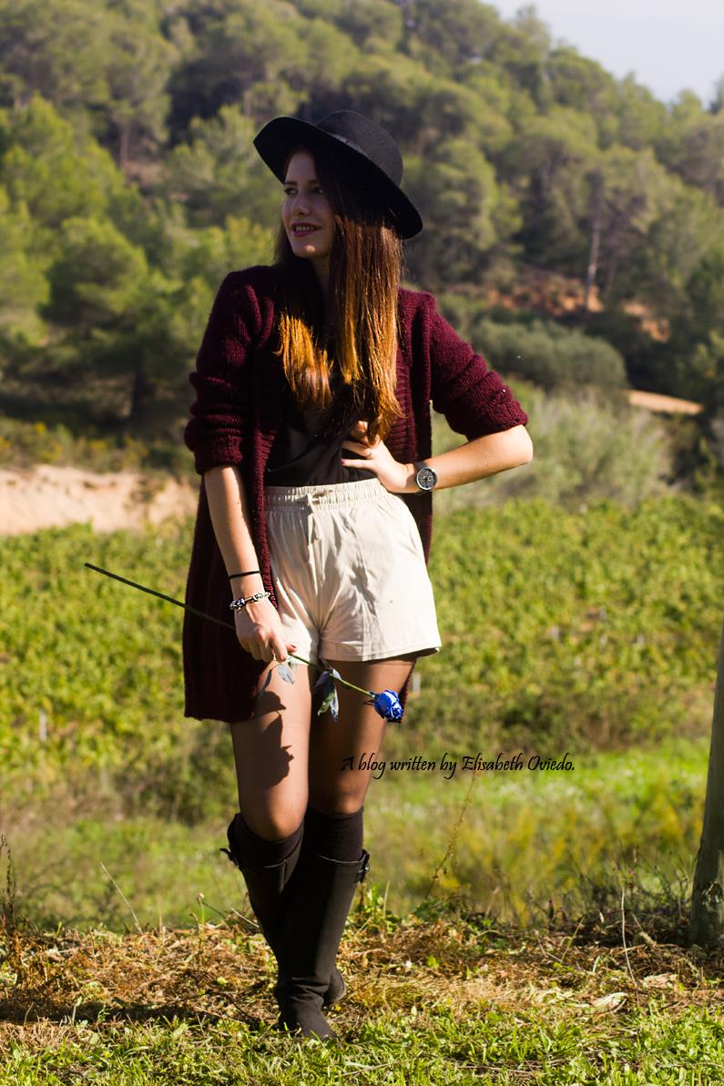cardigan burgundy sombrero negro HEELSANDROSES look lady viñedos cata Mango Inditex (1)