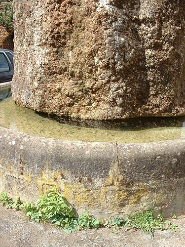 La fontaine du Griffoul à Fourmagnac (bourg)