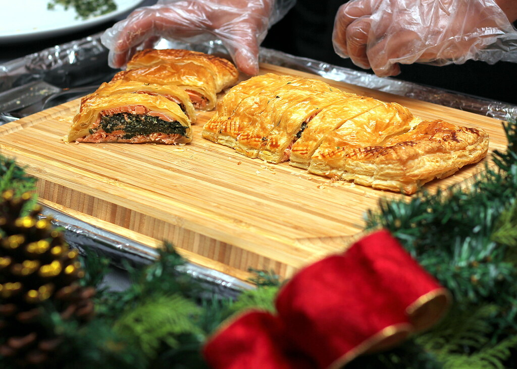 cameron-highlands-resort-ballroom-christmas-dinner-salmon-filo-pastry