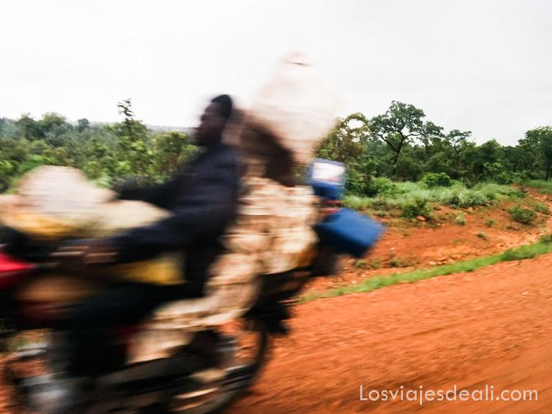 carretera cerca de Natitingou