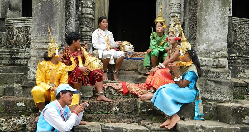 Angkor Wat - Performers