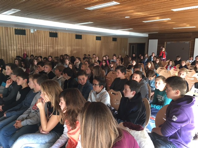 Lutte contre le harcèlement: le collège Eugène Dubois invite ses élèves à une projection de vidéos