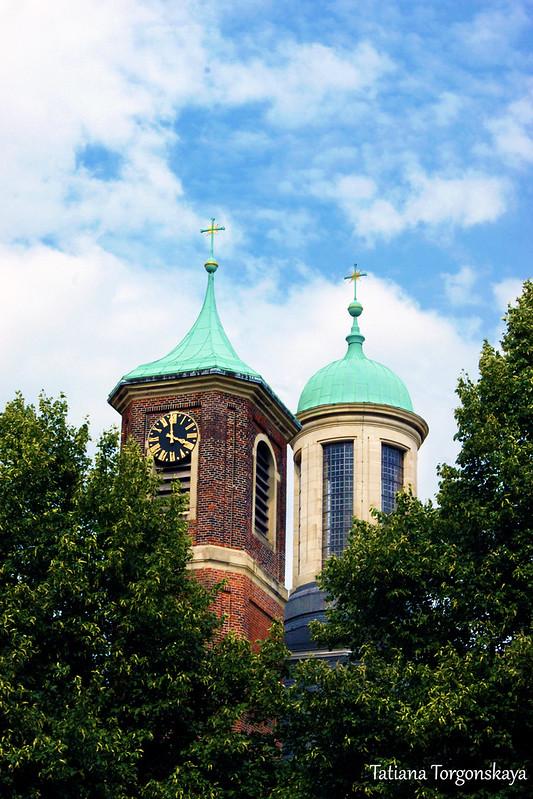 Купол и колокольня церкви Св. Климента