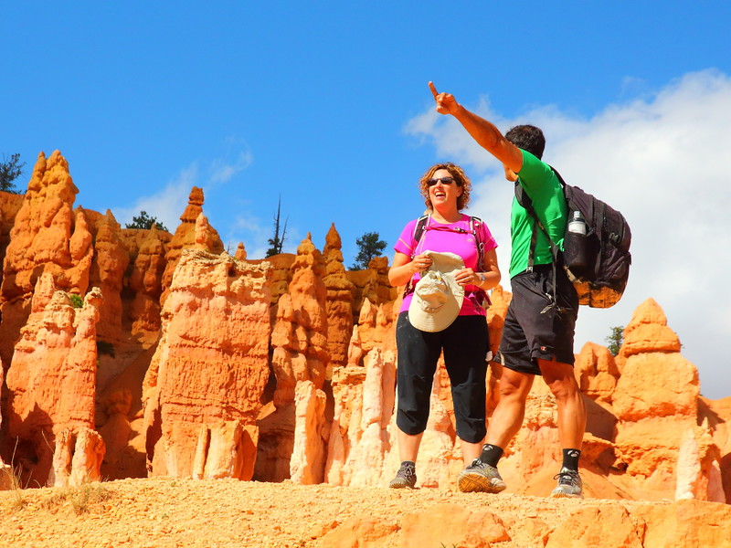 IMG_4989 Hikers on Queens Garden Trail, Bryce Canyon National Park