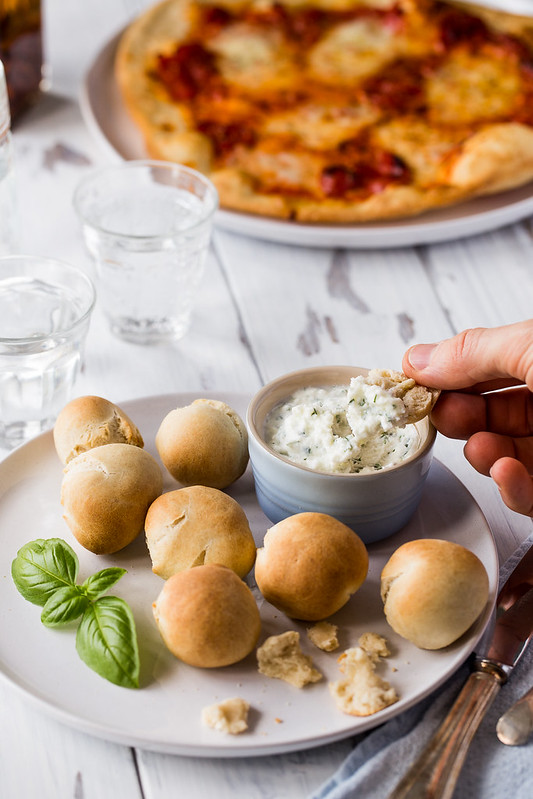 Spelt dough balls with garlic coconut butter dip