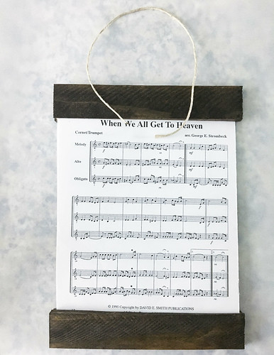 DIY Sheet Music Sign | www.graceinmyspace.com
