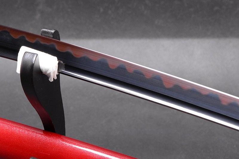 Japanese-samurai-sword-black-and-red-blade-bo-hi
