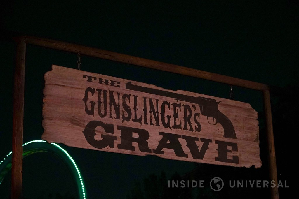 Knott's Scary Farm (2016) - The Gunslinger's Grave: A Blood Moon Rises