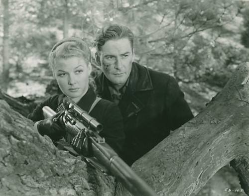 Edge of Darkness - 1943 - screenshot 8