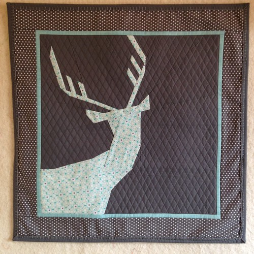 Paper pieced deer wall hanging