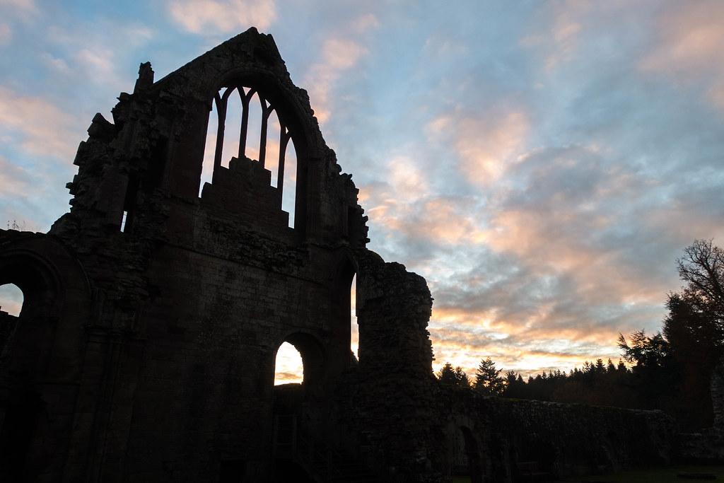 Melrose Abbey-03801-2