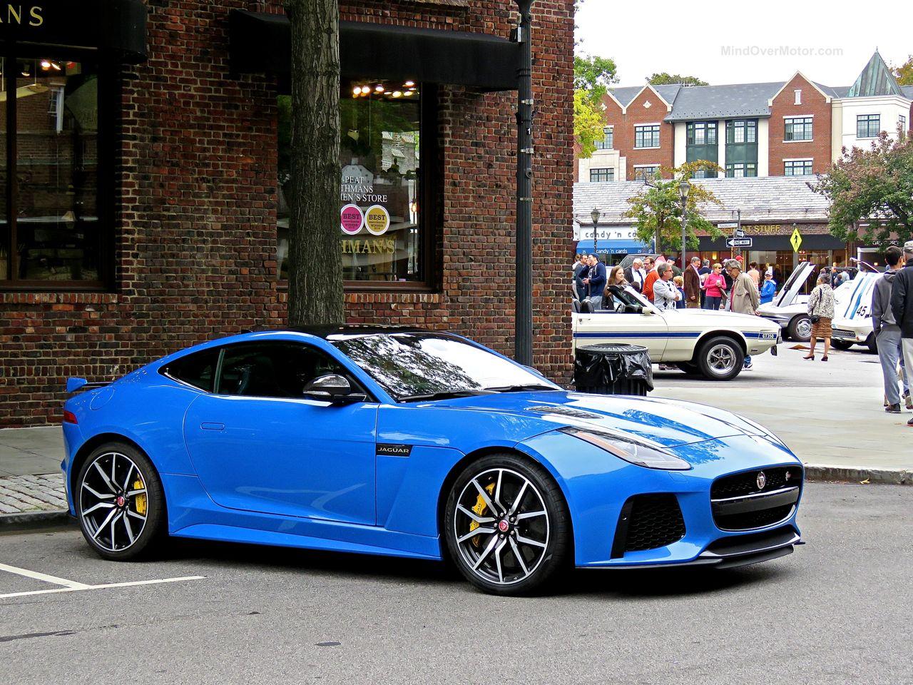 Jaguar F-Type SVR Ultra Blue 1