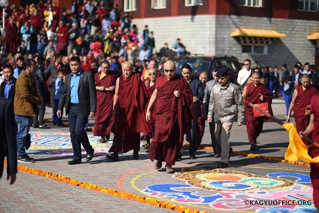法王噶瑪巴於印度宗薩佛學院頒發堪布證書