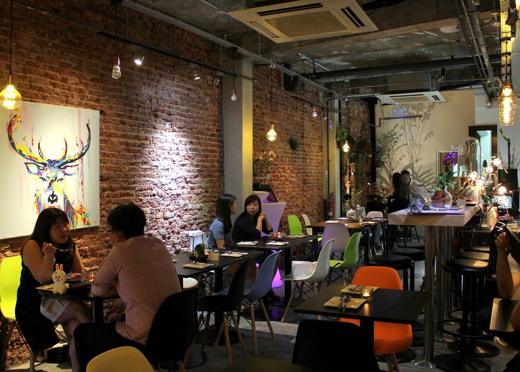 epiphyte-cafe-interior
