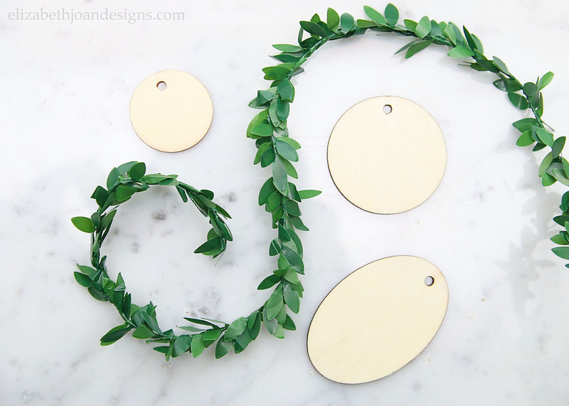 Wood Tags Boxwood Garland