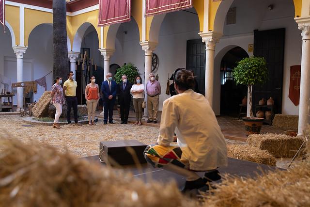06-110621 El presidente de la Diputación visita Olivares por el 50 aniversario de la declaración de su Conjunto Histórico como Bien de Interés Cultural.
