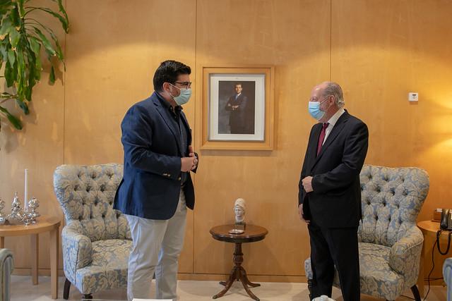 07-220721 Encuentro en la Diputación de Villalobos y el alcalde de El Viso del Alcor.