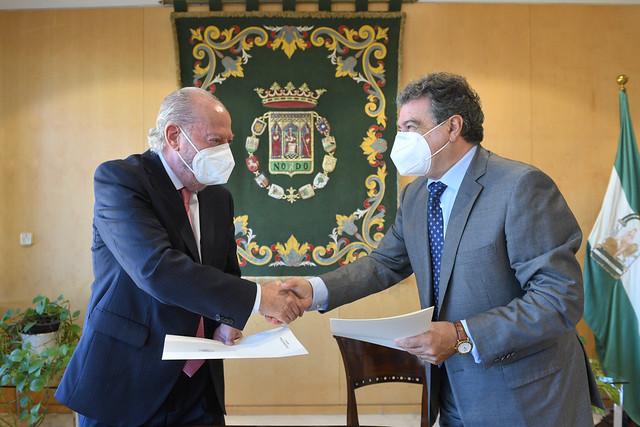 10-221021 Acuerdo de colaboración con el presidente de la Asociación Cuerpo Consular de Sevilla y el cónsul honorario de Estonia