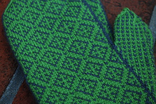 Eidetic Mittens - Detail | by PAKnitWit