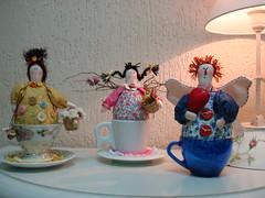 O Anjo que fiz hoje, e as outras bonecas que fiz ontem, mais com algumas melhorias. by Ar da Graça