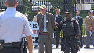 Climate activist arrests begin at White House | by jaymallinphotos