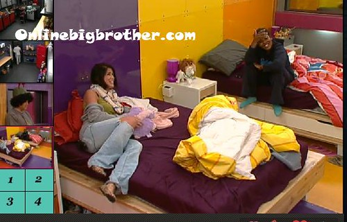 BB13-C4-8-19-2011-12_17_00.jpg | by onlinebigbrother.com