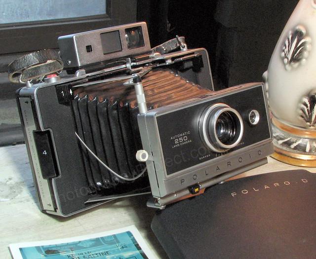 Polaroid 250 Automatic Land