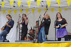 Rock on - Mary Jane band at Beggars' Fair, 7 July 2011 by Ian D Nolan