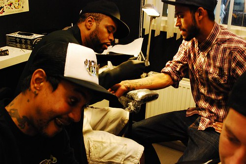 Method man making a tattoo on me etienne blackbeard flickr for Method man tattoo