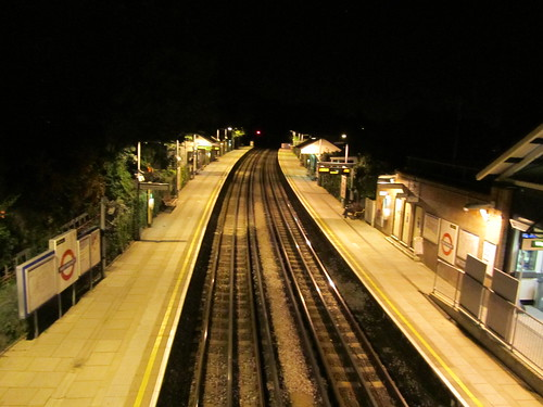 West Finchley at night