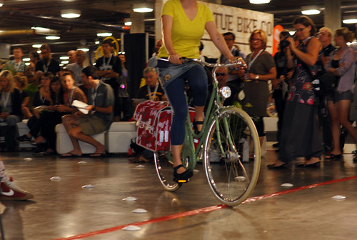 Interbike Fashion Show, Bella Ciao Superba, Basil Pannier | by Lovely Bicycle!