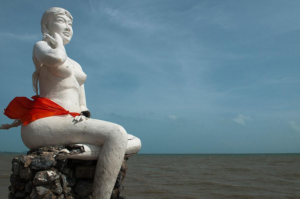 Mermaids Look Mermaid Statue Looking Out to