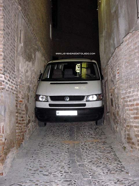 Furgoneta atascada en Toledo - Dónde aparcar gratis en Toledo