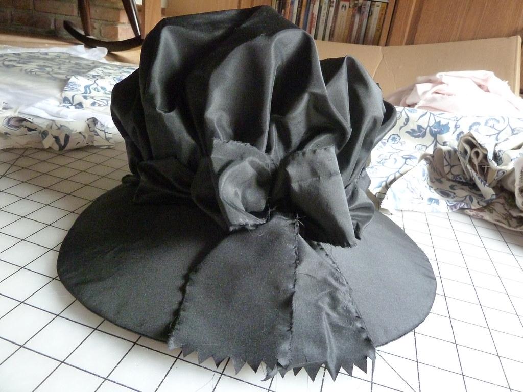 black silk bonnet, 1770-1790
