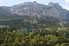 UA2011 - Crimea: Parks, Palaces and Clifs