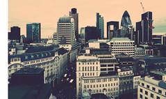 Вид на город с Монумента в память о Великом лондонском пожаре. Landscape seen from The Monument to the Great Fire of London}