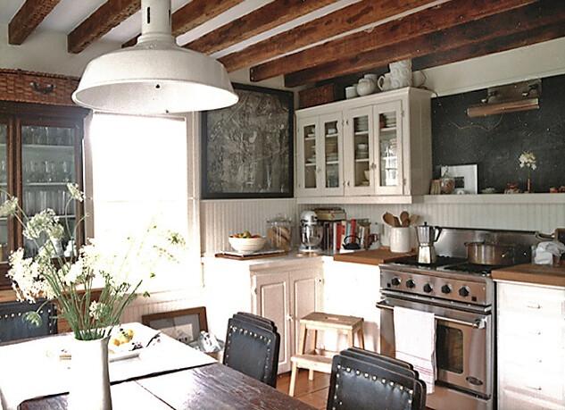 Laura Resen {rustic eclectic vintage industrial modern kitchen
