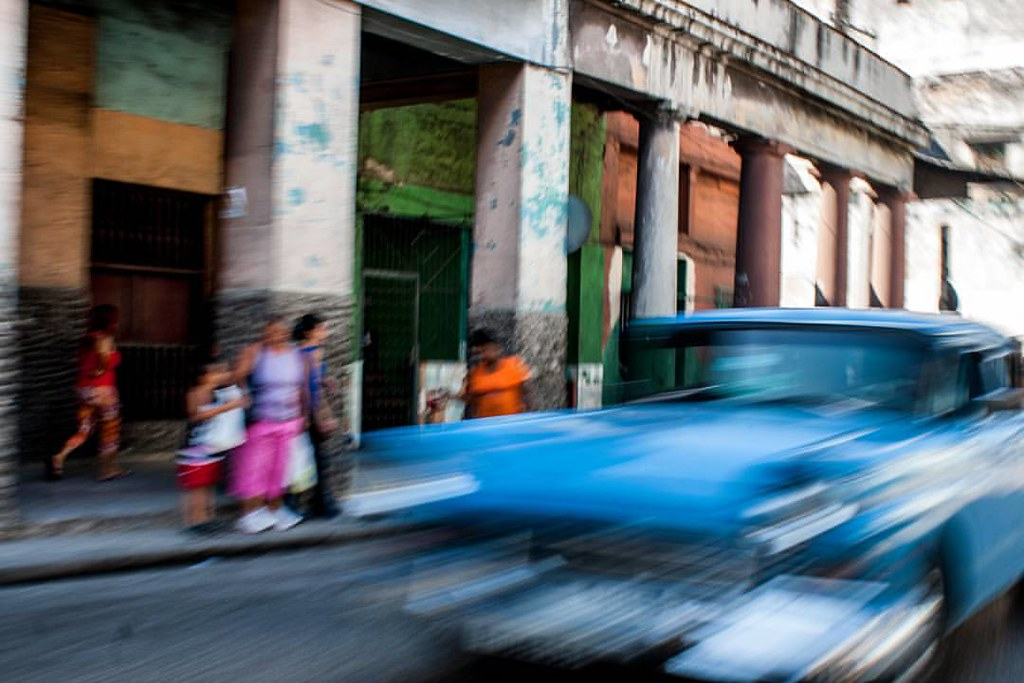 Sueños de La Habana ~ #cuba #cubaphoto #instacuba #lahabana #Habana #streetphoto #streetphotography #street #calle #callejeando #instagram #instamood #good #mood #smile #happy  #loves_havana #lovecuba #cubalibre